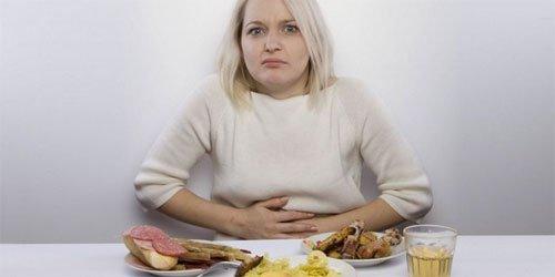 Тяжесть в желудке и животе после еды: патологические и непатологические причины